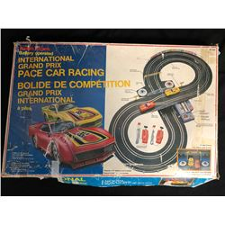 RADIO SHACK INTERNATIONAL GRAND PRIX PACE CAR RACING (BATTERY OPERATED)