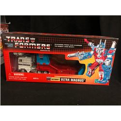 HASBRO G1 TRANSFORMERS ULTRA MAGNUS CITY COMMANDER