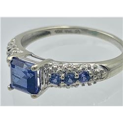 10K YELLOW & WHITE GOLD RING WITH BLUE STONES