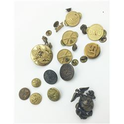 MISC LOT OF VINTAGE MILITARY BUTTONS