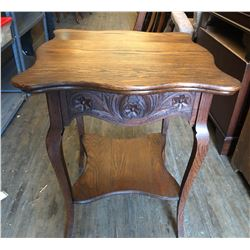 ANTIQUE PARLOUR TABLE WITH SCALLOPED EDGE