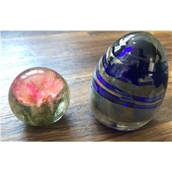 GR OF 2 BLOWN GLASS VINTAGE PAPER WEIGHTS - SIGNED   HAFOD GRANGE