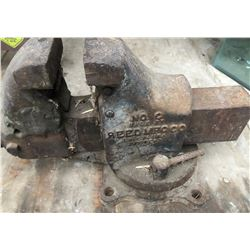 REED MFG CO. ANTIQUE VICE