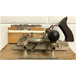 ANTIQUE STANLEY NO 45 PLANE WITH COMPLETE BLADE SET