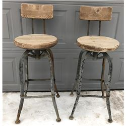 GR OF 2, METAL / WOOD SWIVEL BAR HEIGHT STOOLS