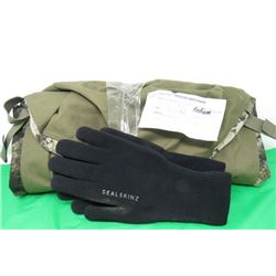 DUFFLE BAG AND PAIR OF SEAL SKINZ GLOVES