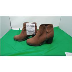 ANKLE BOOTS - SIZE 8