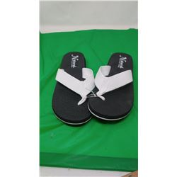 NATURAL REFLECTIONS BLACK & WHITE SANDALS   SIZE 7