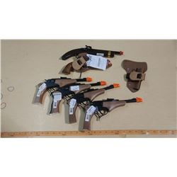 4 CROSSFIRE PISTOL B(3 ARE MISSING BACK PIECE OF HANDLE), 1 BIG TEX HOLSTER SET, 1 KENTUCKY PISTOL