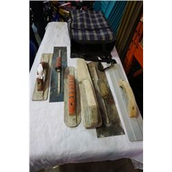 LOT OF MARSHALL TOWN AND OTHER CONCRETE TROWELS