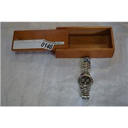 EDDIE BAUER WATCH IN WOOD CASE