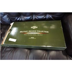 2010 MILITARY ARCHIVE COLLECTTION HARLEY DAVIDSON TREE ORNAMENTS IN BOX