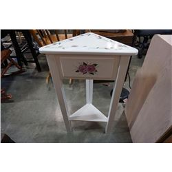 WHITE CORNER END TABLE