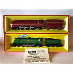 GR OF 2, TRI ANG HORNBY MODEL RAILWAY CARS