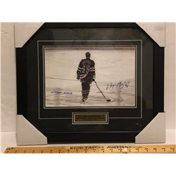 FRAMED & AUTOGRAPHED WAYNE GRETZKY PRINT - AS NEW