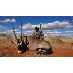 FOUR DAY SOUTH AFRICAN SAFARI FOR 1 HUNTER AND ONE OBSERVER, INCLUDING TROPHY FEES FOR GEMSBOK, BLUE