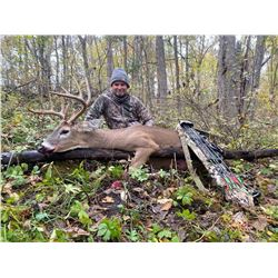 A 6 DAY/5 NIGHT MISSOURI WHITETAIL HUNT FOR TWO HUNTERS