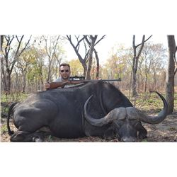 CAPE BUFFALOR HUNT IN ZAMBIA FOR ONE HUNTER AND ONE OBSERVER