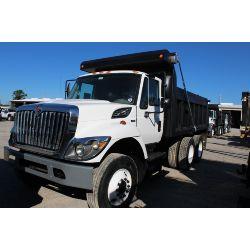 2012 INTERNATIONAL 7400 Dump Truck