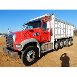 2014 MACK GU713 Dump Truck