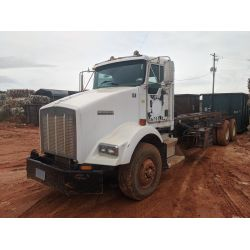 2001 KENWORTH T800 Roll Off Truck