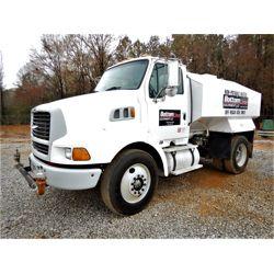 2000 STERLING L8513 Water Truck