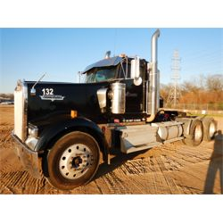 2009 KENWORTH W900 Day Cab Truck