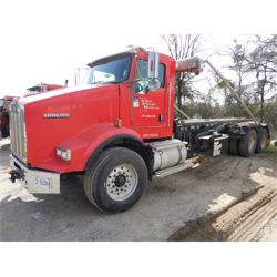 2011 KENWORTH T800 Roll Off Truck