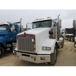 2015 KENWORTH T800 Day Cab Truck