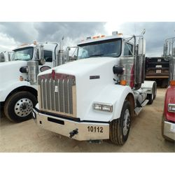 2014 KENWORTH T800 Day Cab Truck
