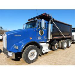 2004 KENWORTH T800 Dump Truck