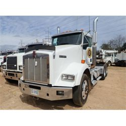 2010 KENWORTH T800 Day Cab Truck