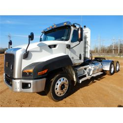 2013 CATERPILLAR CT660L Day Cab Truck