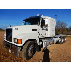 2013 MACK CHU613 Sleeper Truck