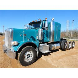 2013 PETERBILT 388 Sleeper Truck