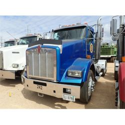2006 KENWORTH T800 Day Cab Truck