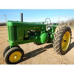 1953 JOHN DEERE 60 Tractor