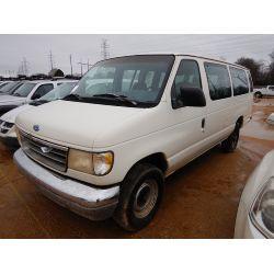 1995 FORD CLUB WAGON Passenger Van