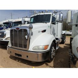 2010 PETERBILT 384 Sleeper Truck