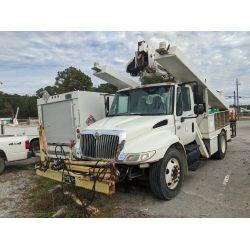 2003 INTERNATIONAL 4200 Boom / Bucket / Crane Truck