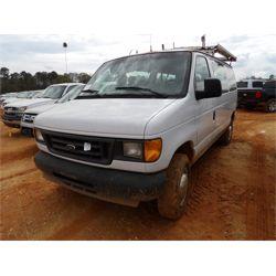 2004 FORD ECONOLINE Passenger Van