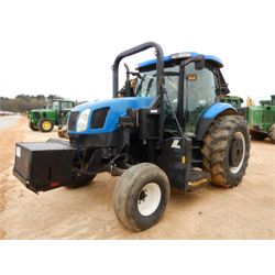 NEW HOLLAND TS125A Tractor