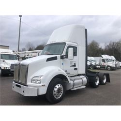 2016 KENWORTH T880 Day Cab Truck