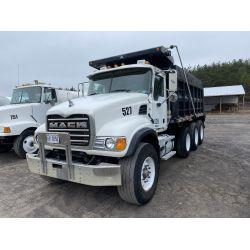 2004 MACK CV713 Dump Truck