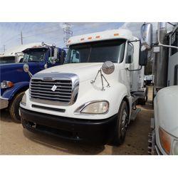2011 FREIGHTLINER Columbia Sleeper Truck