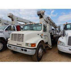 2001 INTERNATIONAL 4700 Boom / Bucket / Crane Truck