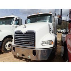 2007 MACK CXP613 Day Cab Truck