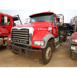 2013 MACK GU713 Roll Off Truck