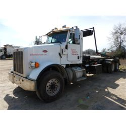 2011 PETERBILT 365 Roll Off Truck
