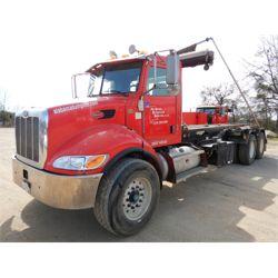 2010 PETERBILT 348 Roll Off Truck